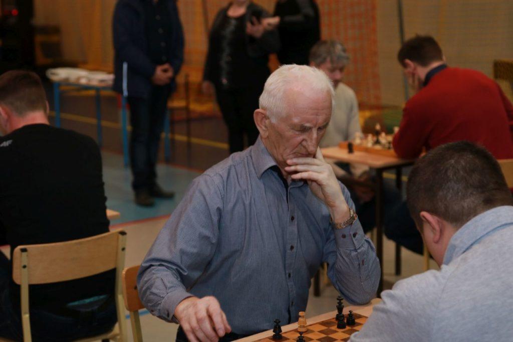 Pierwsi do rywalizacji przystąpili szachiści.